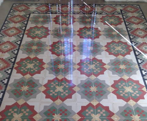 Restauración de mosaicos hidráulicos